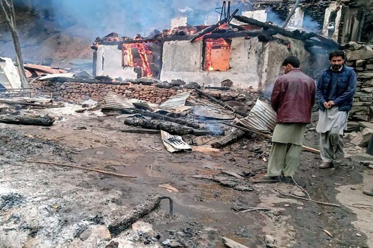 भारत र पाकिस्तानका सेनाबीच भिडन्त,सर्वसाधारणसहित २२ जनाको मृत्यु