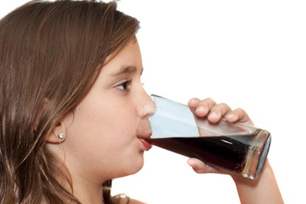 गर्मीमा दाँतको सुरक्षा : चिसो पेय पदार्थ कति र कसरी पिउने ?