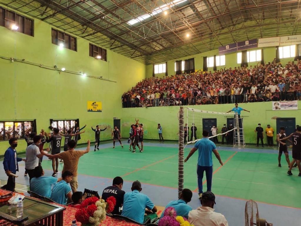 सुदूरपश्चिम प्रदेश स्तरीय भलिबल प्रतियोगिताको उपाधि डोटीलाई